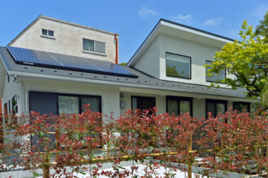 ZEHに太陽光発電は必須!では蓄電池は?